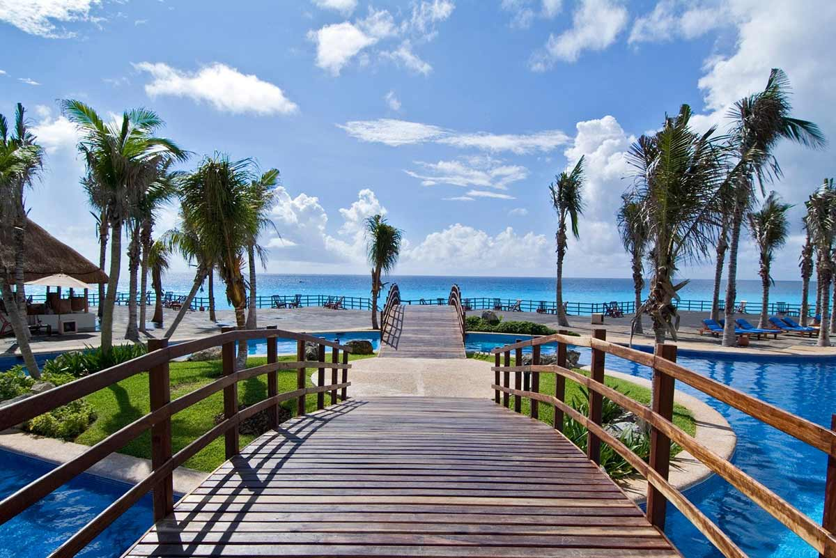 4 Steps We Took to Save $700+ on Flights toCancun